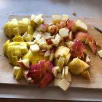 Äpfel klein schneiden