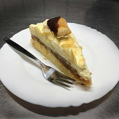 Apfel-Pudding-Eierlikör-Torte
